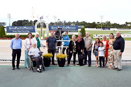Partners, fellow owners, friends and relatives were all welcome after Recco Lover's win last Friday night. PHOTO: Race Images.